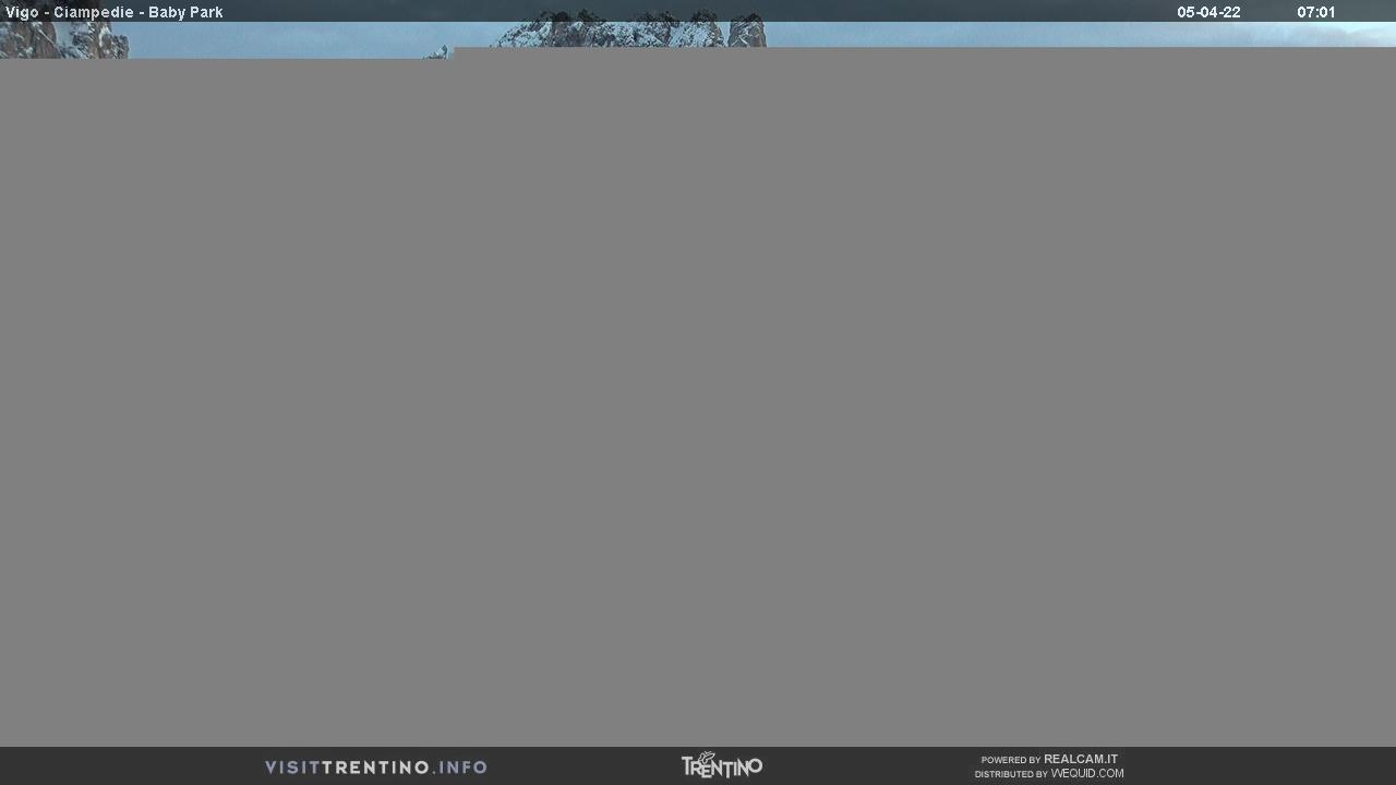 Webcam Vigo di Fassa - Catinaccio - Kinderpark Ciampedie - Altitude: 1,997 metresArea: Ciampedie Panoramic viewpoint: Kinderpark Ciampedie, the playground for children open both in summer and winter, directly on the ski slopes of Catinaccio, at the foot of Larséch. It's easily reachable thanks to the cable car from Vigo di Fassa ...