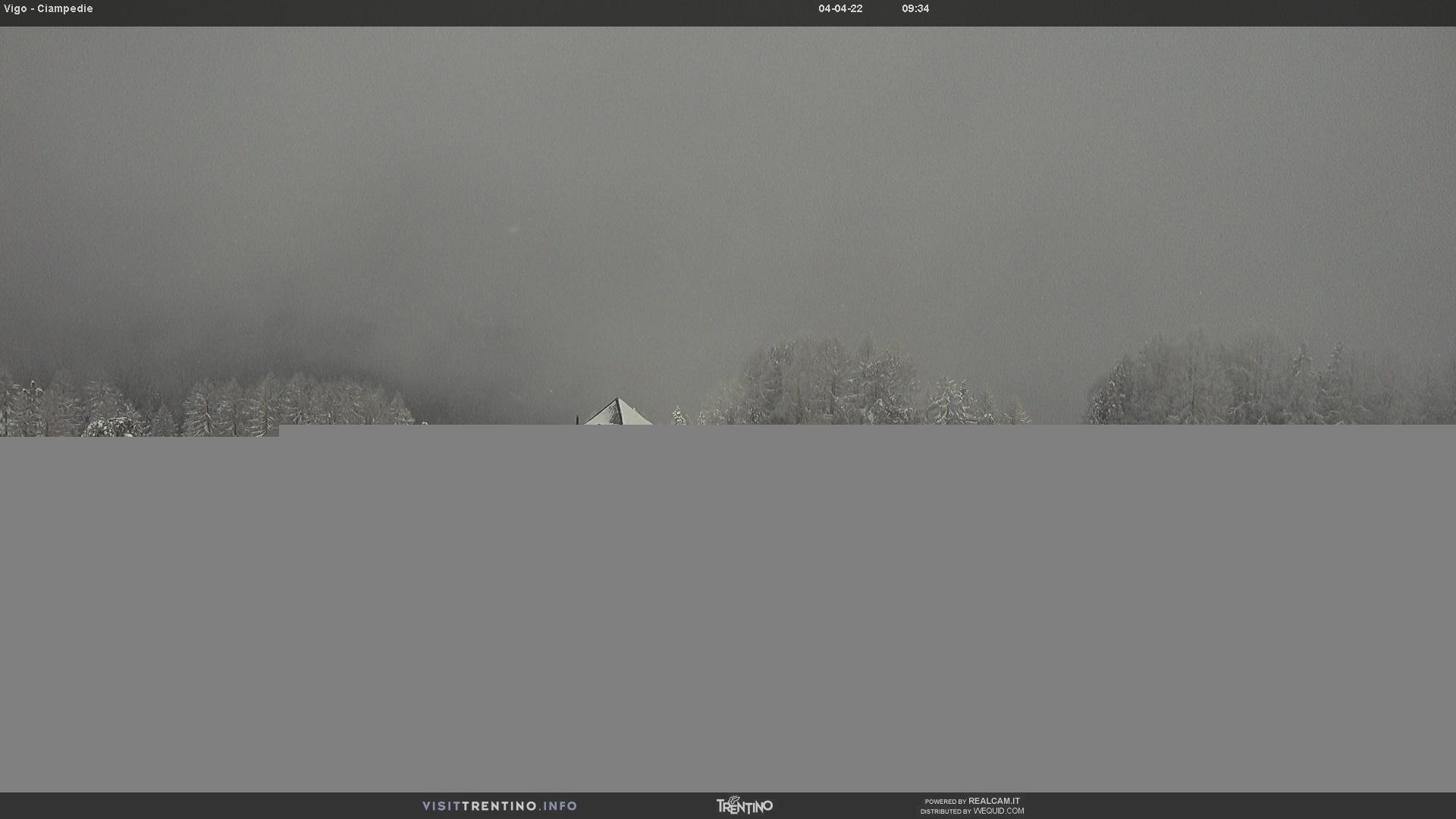 Webcam Vigo di Fassa - Catinaccio - Roda de Vael - Altitude: 1,997 metresArea: Ciampedìe Panoramic viewpoint: static webcam.