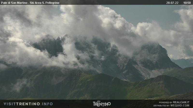 Webcam San Pellegrino Pass - Falcade - Pale di San Martino - Altitude: 2,513 metresArea: Col MargheritaPanoramic viewpoint: static webcam. Lago Cavia-Col Margherita chair lift arrival, in the ski area Alpe Lusia - San Pellegrino (Falcade-San Pellegrino Pass). Focobon peaks and Pale di San Martino group in the background.
