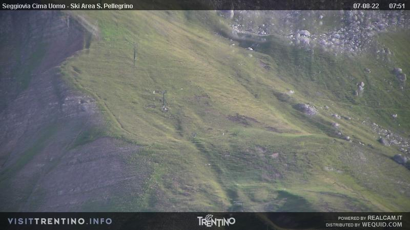 Webcam Passo San Pellegrino - Chair lift Cima Uomo - Altitude: 2,513 metresArea: Col MargheritaPanoramic viewpoint: from Col Margherita, in the ski area Alpe Lusia - San Pellegrino, in direction of Cima Uomo chair lift arrival.