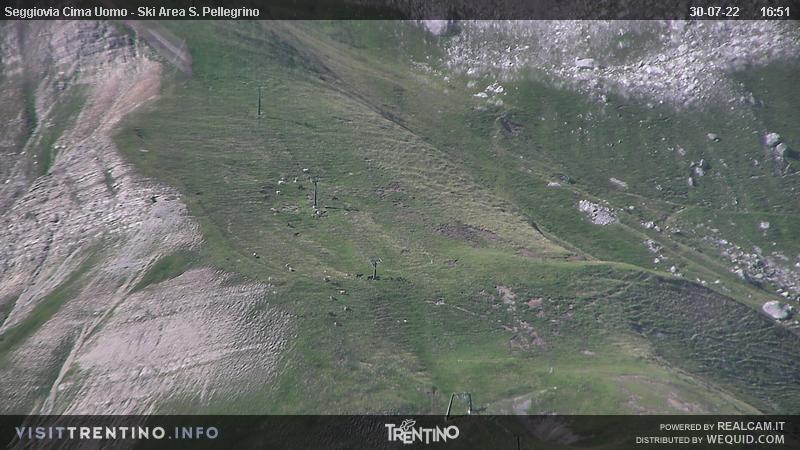 Webcam Passo San Pellegrino - Chair lift Cima Uomo - Altitude: 2,513 metresArea: Col MargheritaPanoramic viewpoint: static webcam. View from Col Margherita, in the ski area Alpe Lusia - San Pellegrino, in direction of the Cima Uomo chair lift arrival.