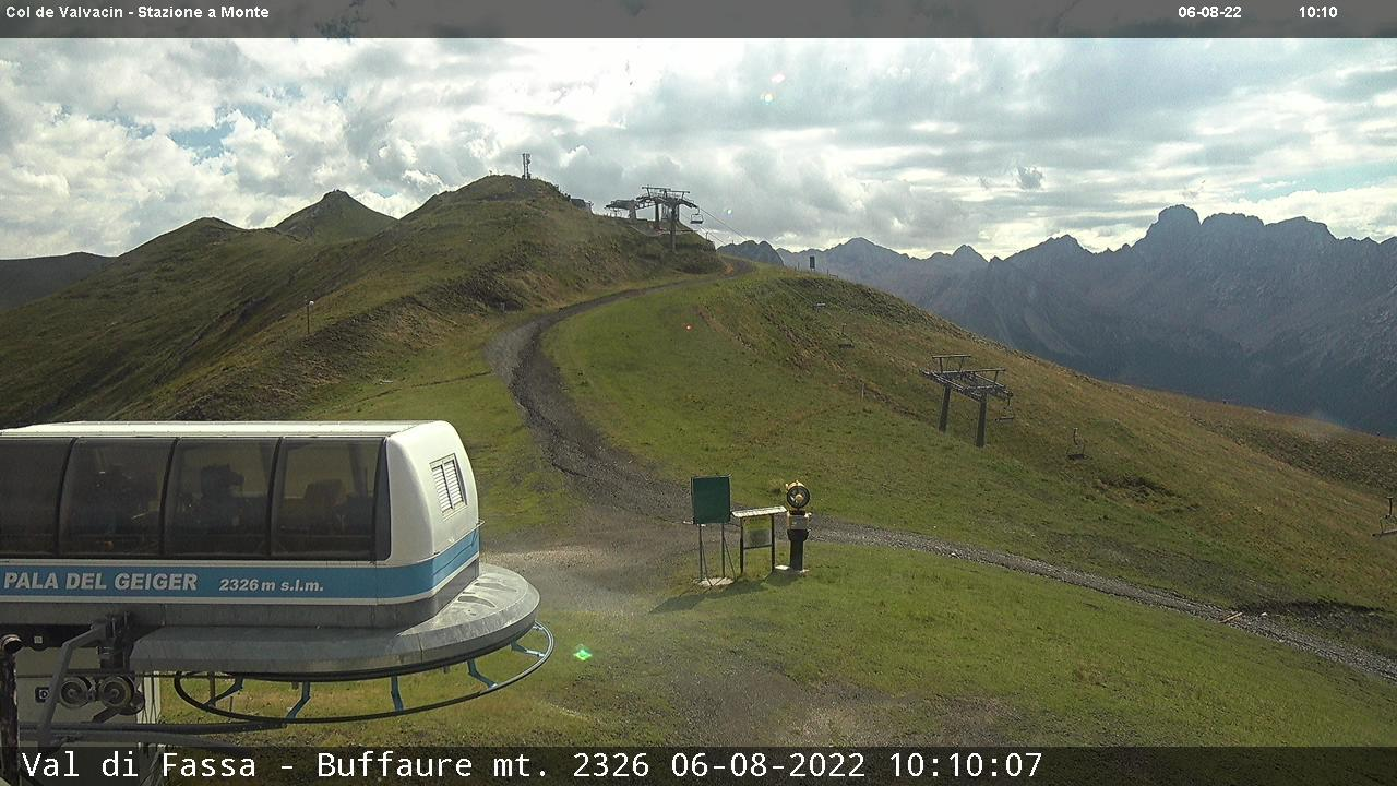 Webcam Pozza di Fassa - Buffaure - Altitude: 2,354 metresArea: Col de Valvacin Panoramic viewpoint: static webcam. View over the red slope