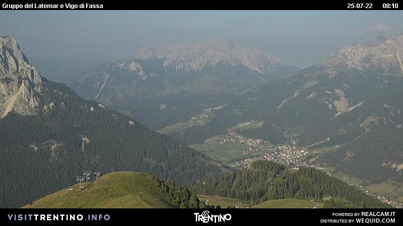 Webcam Pozza di Fassa - Buffaure - Altitude: 2.354 metres<BR>Area: Col de Valvacin <BR>Panoramic viewpoint: outlook from Col de Valvacin in direction of&nbsp; Buffaure lift that comes up from Pozza di Fassa. Aloch slope (lighting for skiing by night) and Vigo di Fassa in the background.