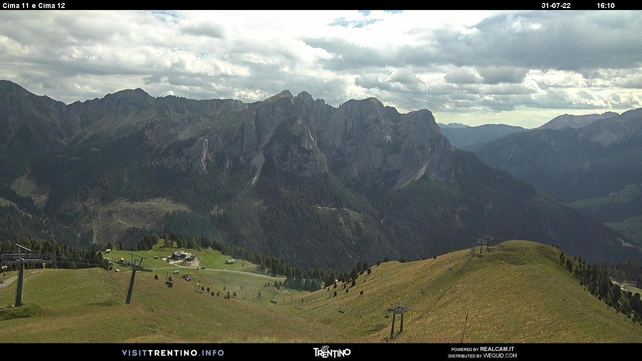 Webcam Pozza di Fassa - Buffaure - Cima 11 e Cima 12 - Altitude: 2,354 metresArea: Col de Valvacin Panoramic viewpoint: static webcam.