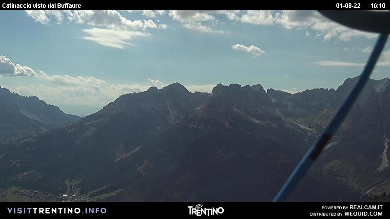 Webcam Pozza di Fassa - Buffaure - Altitude: 2.354 metres<BR>Area: Col de Valvacin <BR>Panoramic viewpoint: outlook in direction of&nbsp; Buffaure and Vigo di Fassa. From here you can see the main road from Vigo to Costalunga pass and Carezza lake.